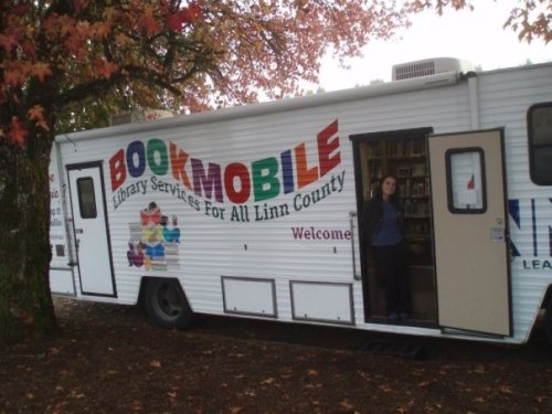 rural-library-bookmobile